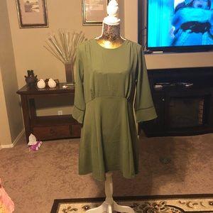 NWOT H&M green dress